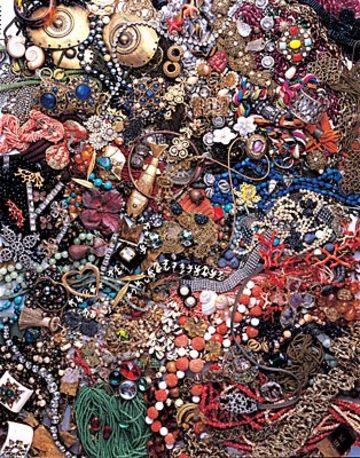 Costume_jewellery_2